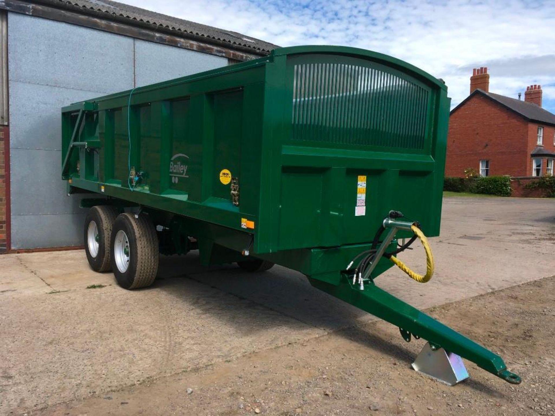 2018 Bailey 14t twin axle trailer, hydraulic back door, manual grain chute, rollover sheet, sprung d - Image 9 of 17