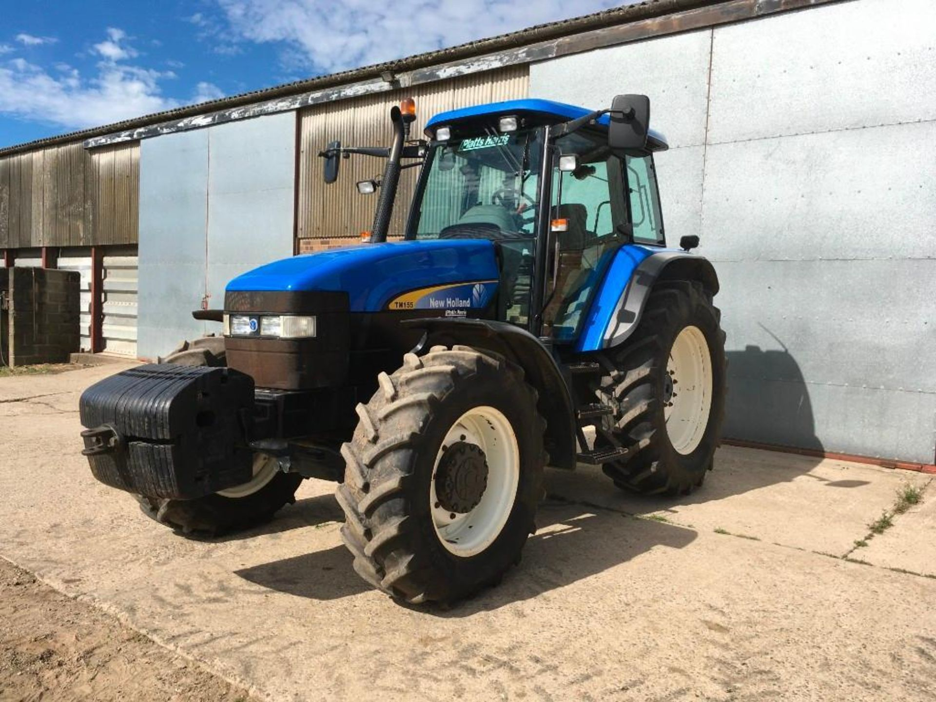 2007 New Holland TM155 tractor with range command gear box, 4 spool valves, push out pick up hitch, - Image 10 of 12