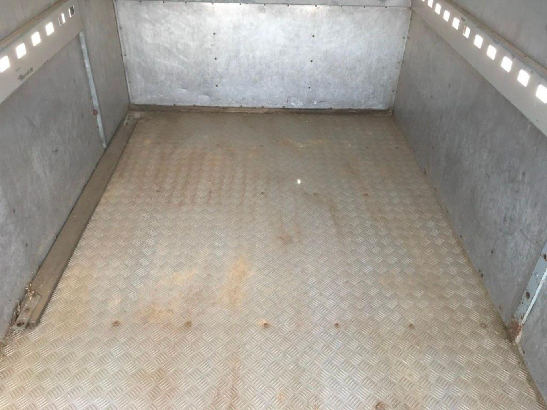1996 Bateson Trailers 45LT twin axle livestock box, sprung rear door, side door, home made calf part - Image 11 of 14