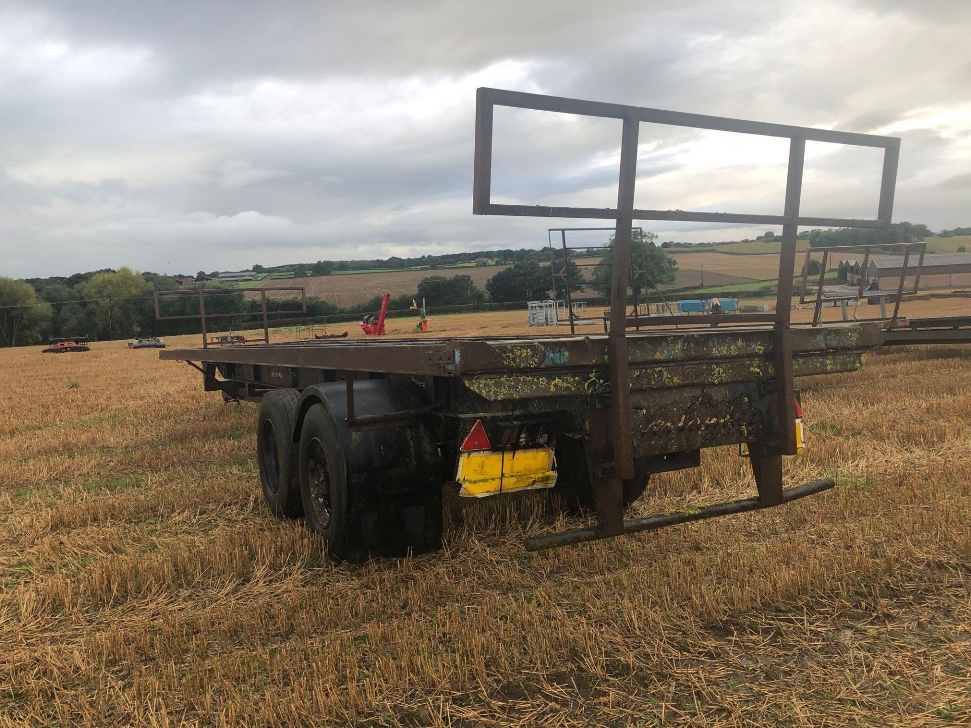 36ft twin axle flatbed trailer frame - Image 4 of 4