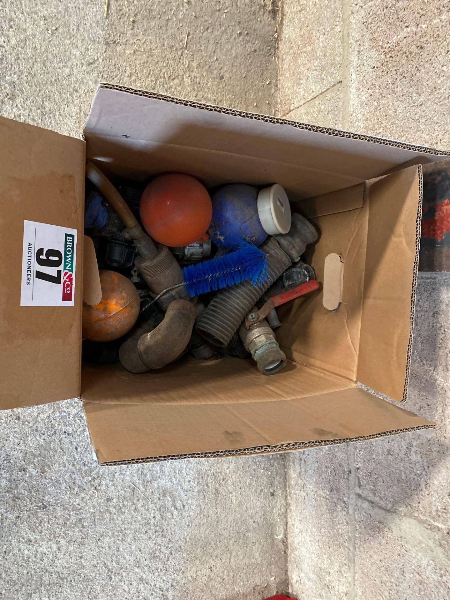 Assorted water fittings, ball taps etc - Image 2 of 2