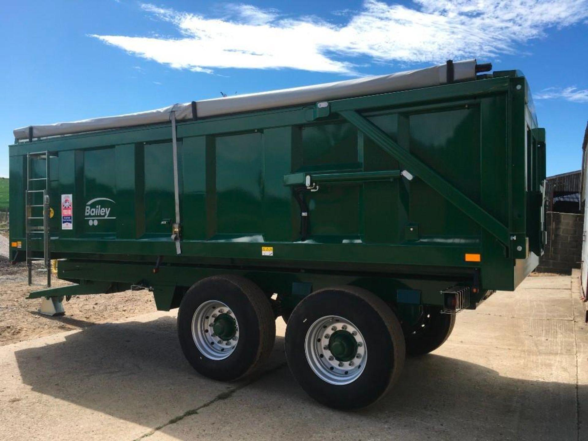 2018 Bailey 14t twin axle trailer, hydraulic back door, manual grain chute, rollover sheet, sprung d - Image 6 of 17