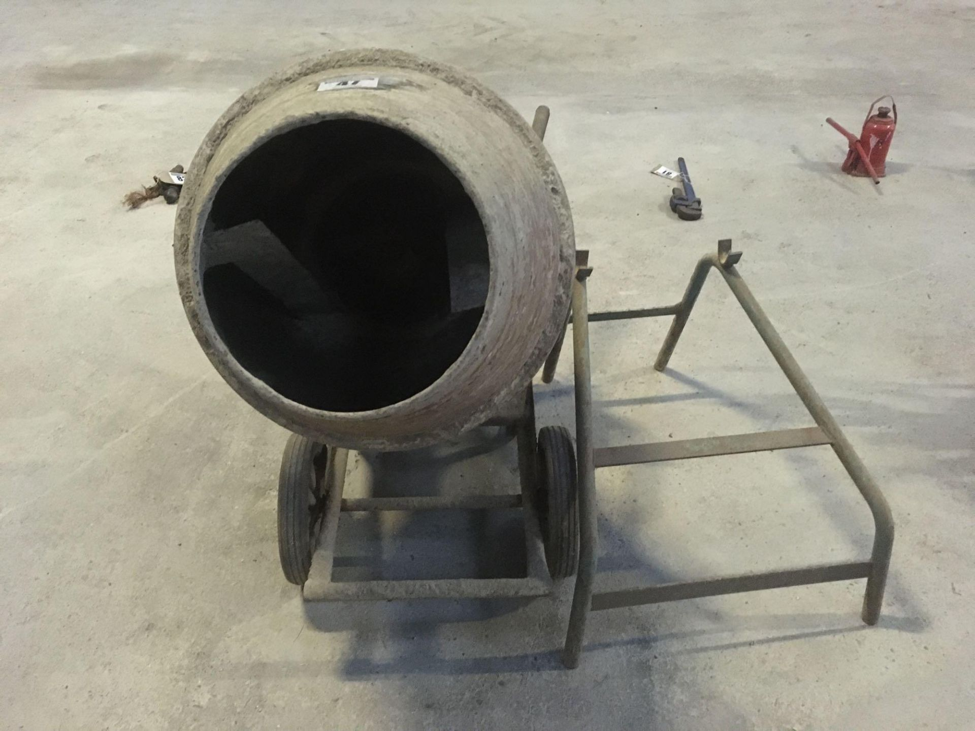 Cement mixer, single phase