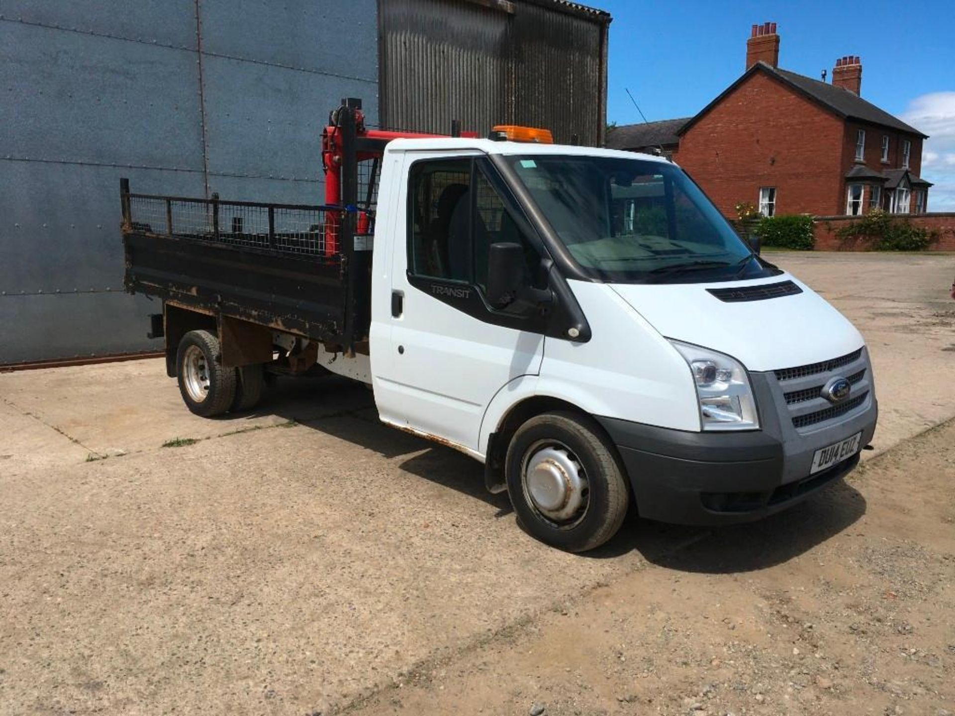 2014 Ford Transit 100 T350 with Brit-Tipp tipping body c/w independently manufactured crane with 0.5 - Image 2 of 10