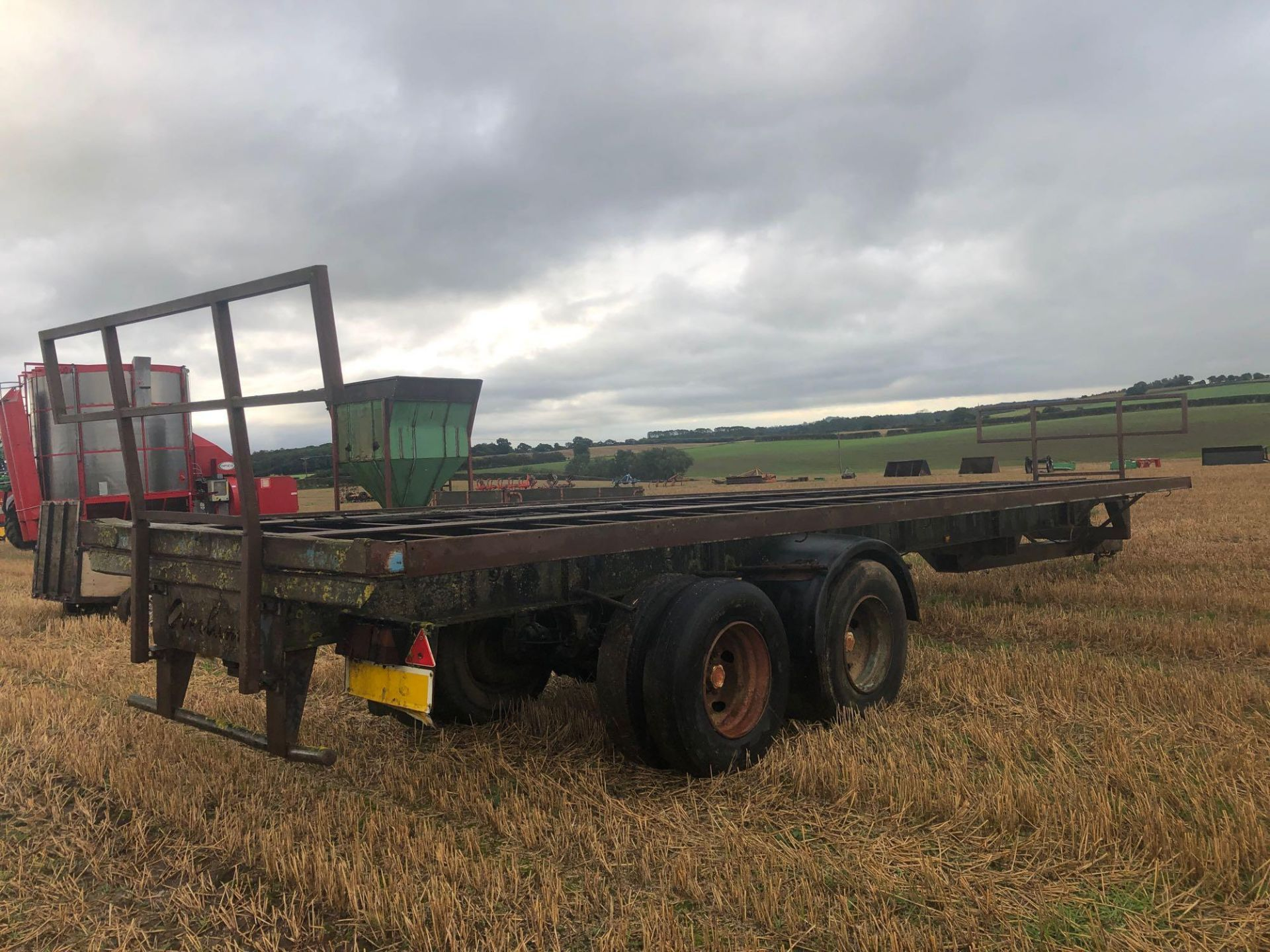 36ft twin axle flatbed trailer frame - Image 3 of 4