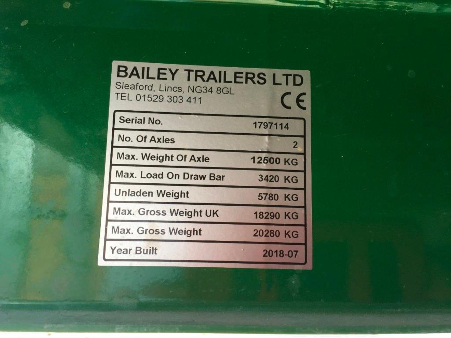 2018 Bailey 14t twin axle trailer, hydraulic back door, manual grain chute, rollover sheet, sprung d - Image 16 of 17