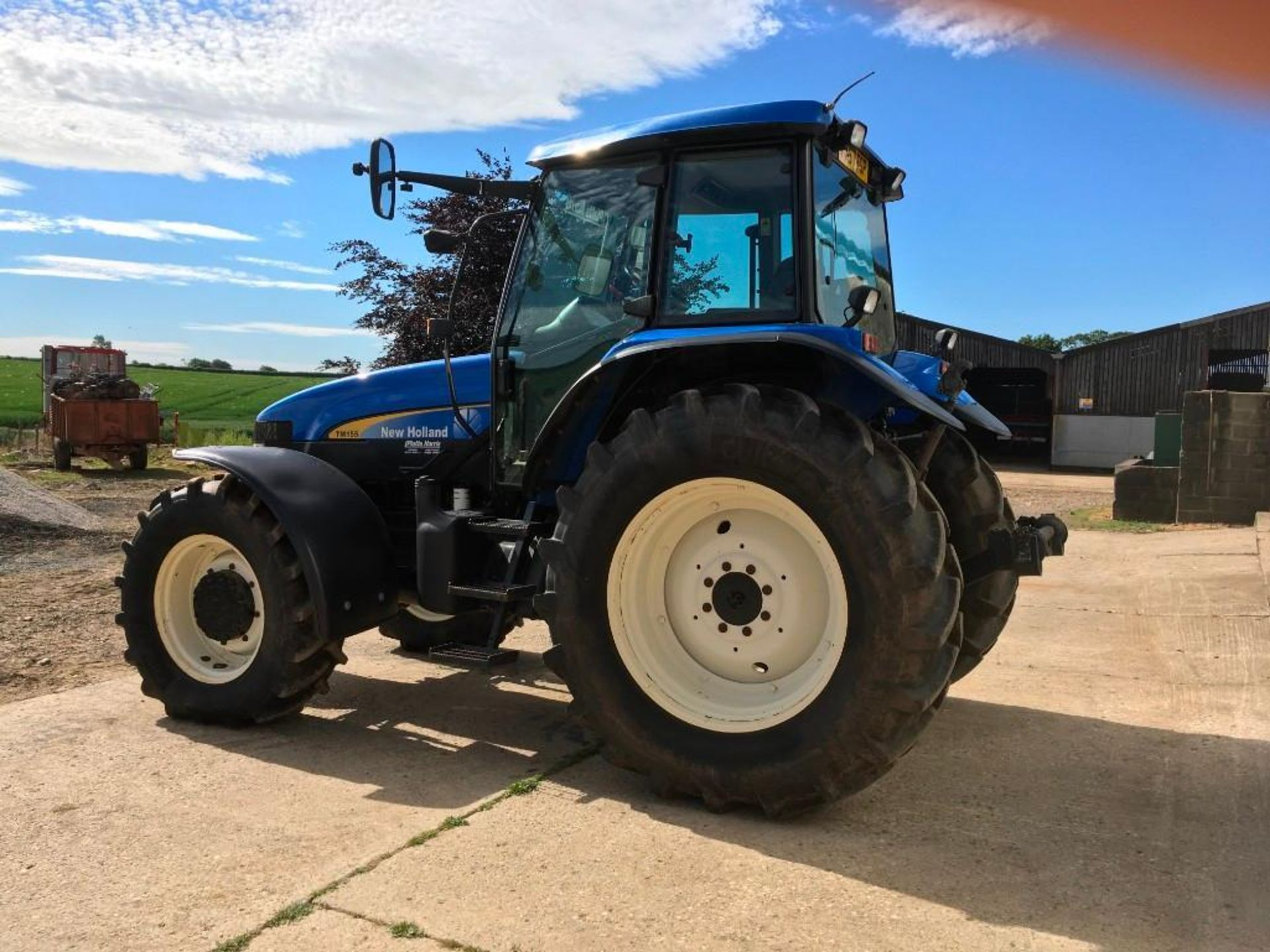 2007 New Holland TM155 tractor with range command gear box, 4 spool valves, push out pick up hitch, - Image 8 of 12