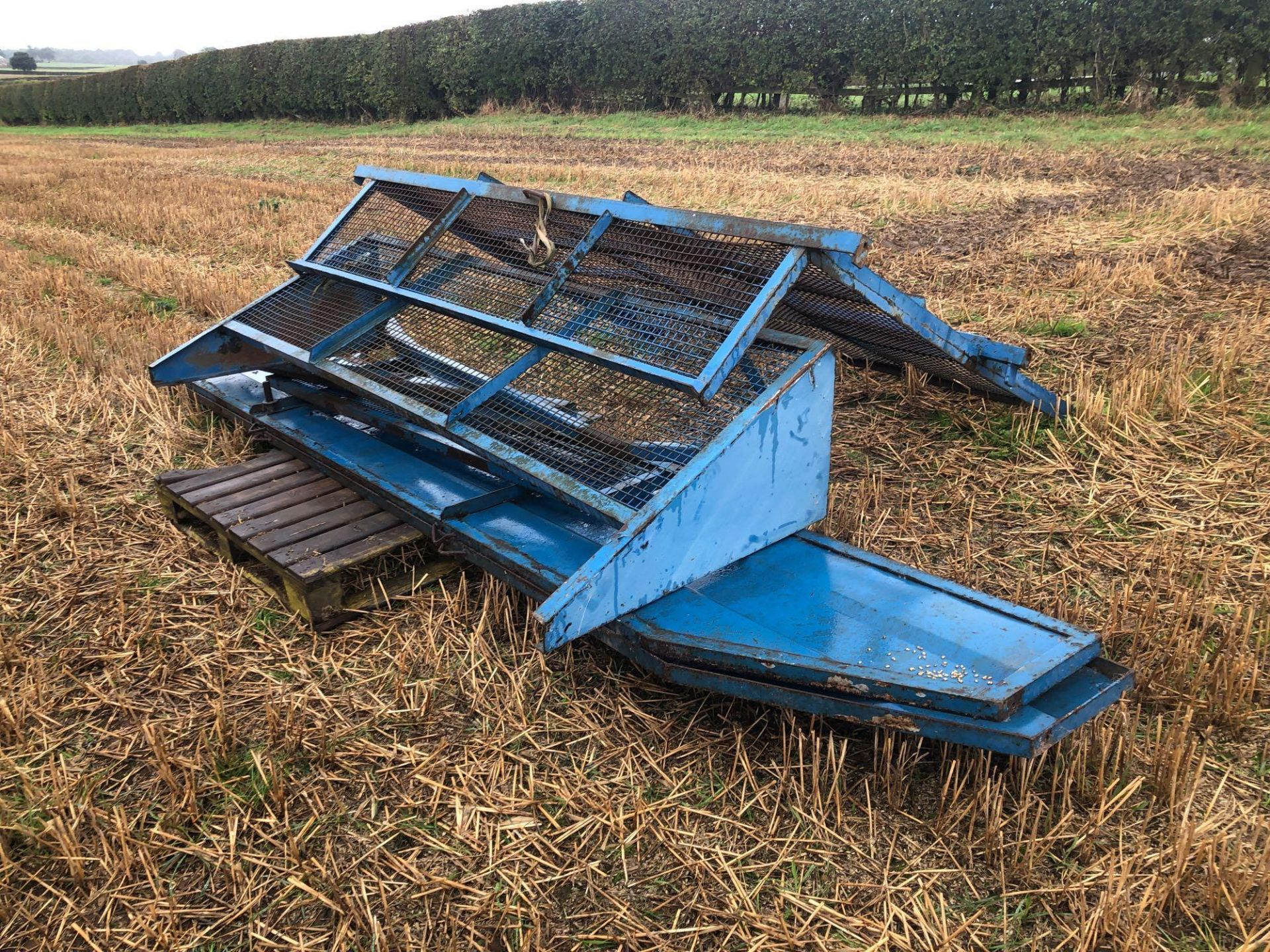 8t twin axle trailer with manual rear door and grain chute. C/w silage sides. On 12.5/80-15.3 wheels - Image 7 of 8
