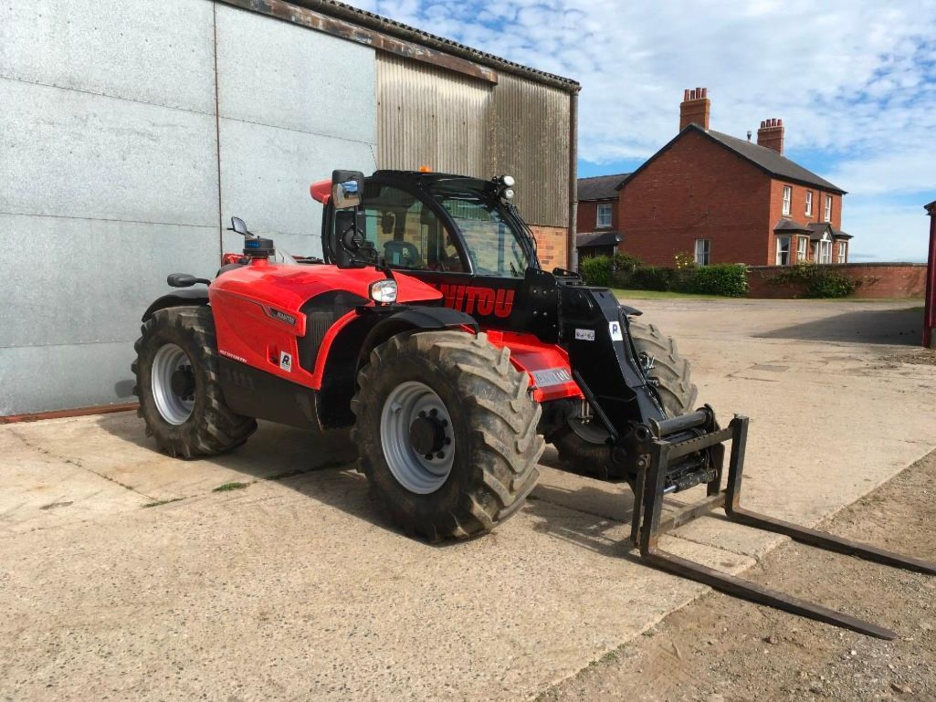 2017 Manitou MLT 737-130 PS+ Elite telehandler with rear pick up hitch, power shift, air seat, elect - Image 10 of 22