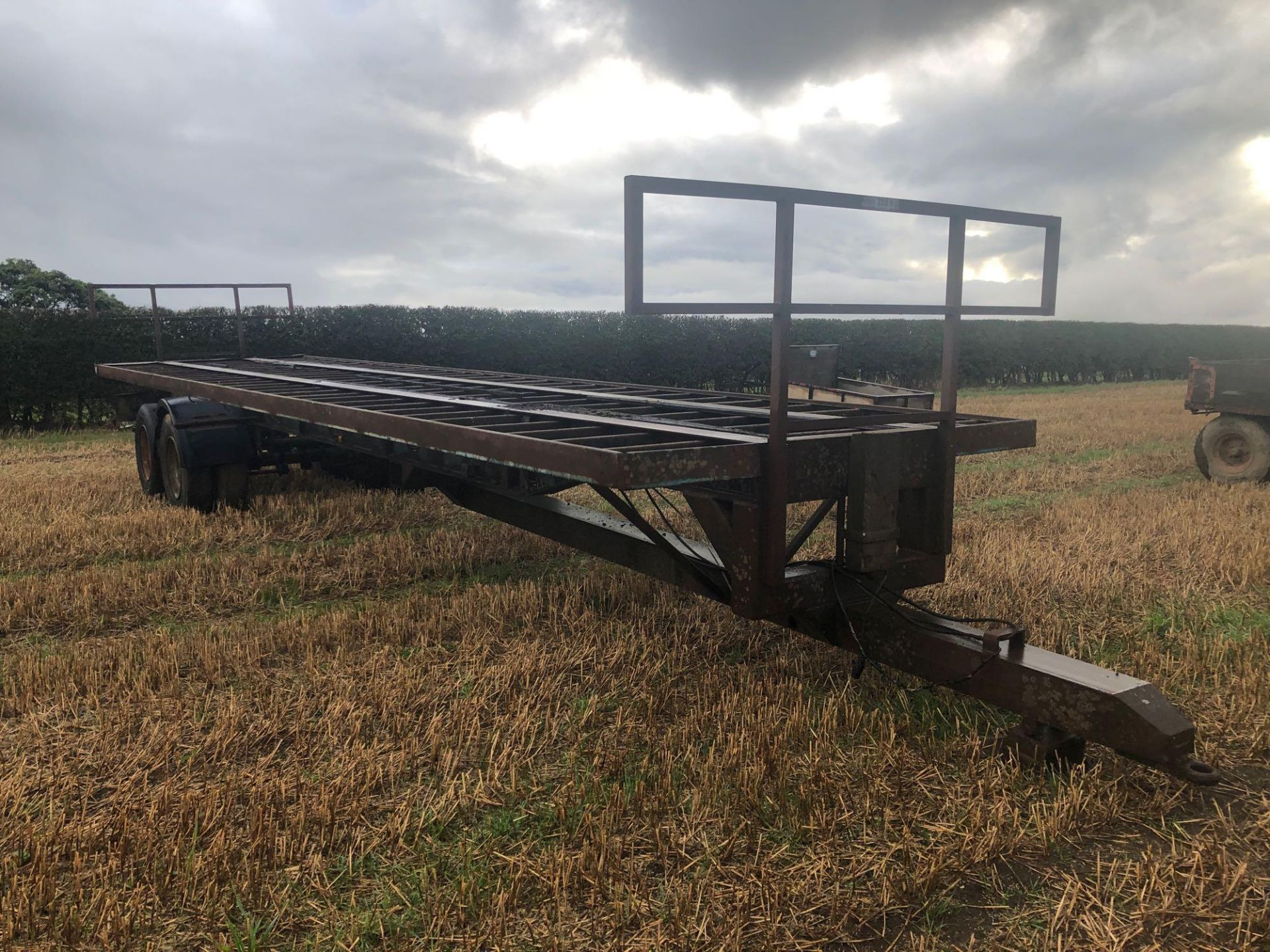 36ft twin axle flatbed trailer frame - Image 2 of 4