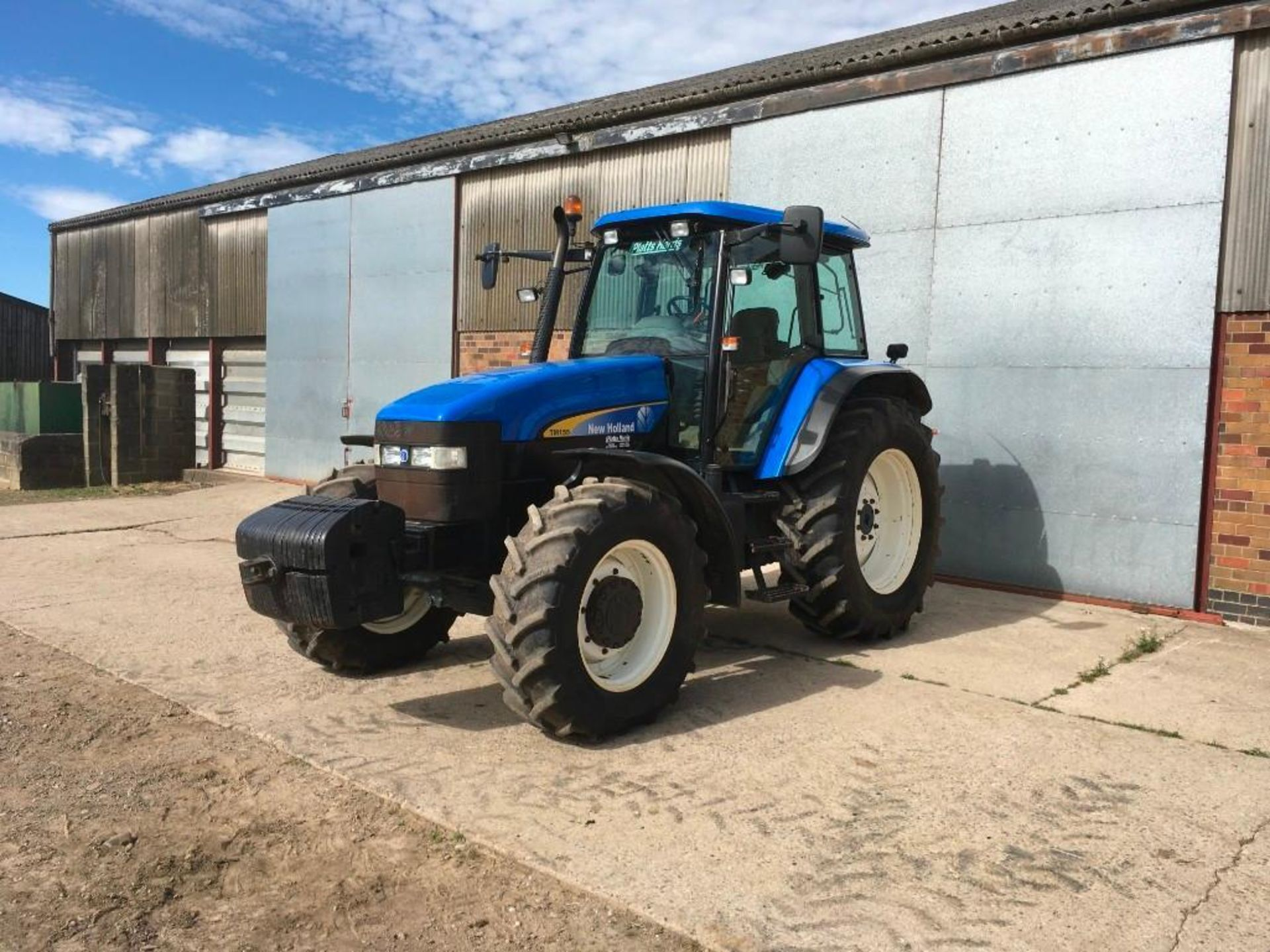 2007 New Holland TM155 tractor with range command gear box, 4 spool valves, push out pick up hitch, - Image 2 of 12