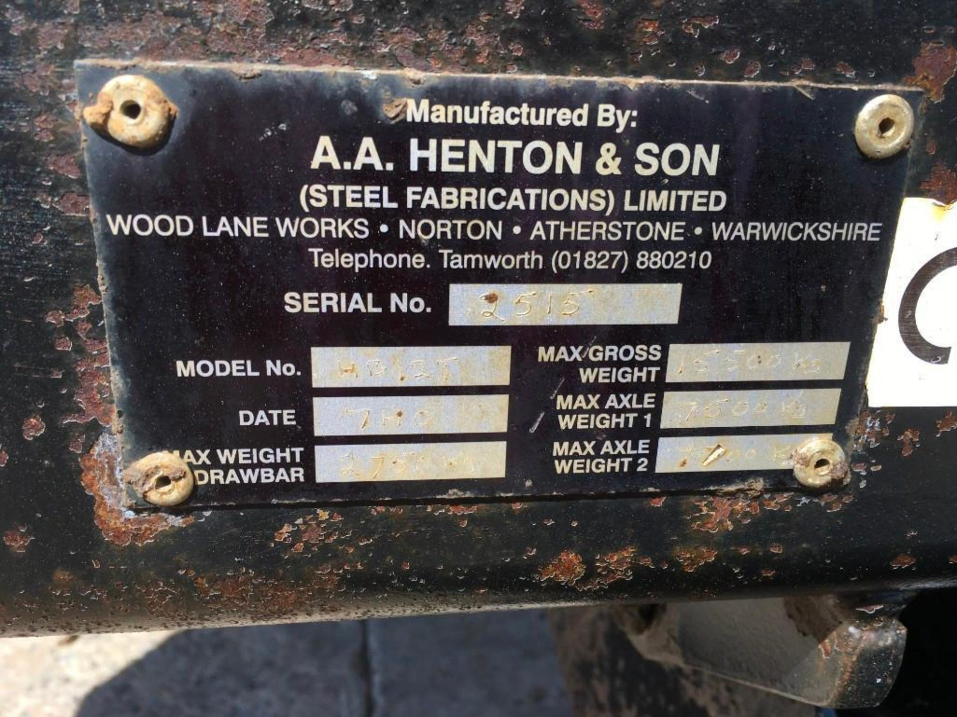 AA Henton & Son 12t twin axle trailer, hydraulic rear door, manual grain chute, sprung draw bar on 3 - Image 9 of 10