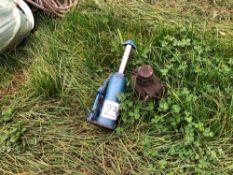 2No. bottle jacks