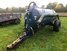 ALFA-LAVAL 800l vacuum tanker on 16-20 wheels and tyres. Serial No: 8507108T