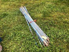 Quantity long drainage rods