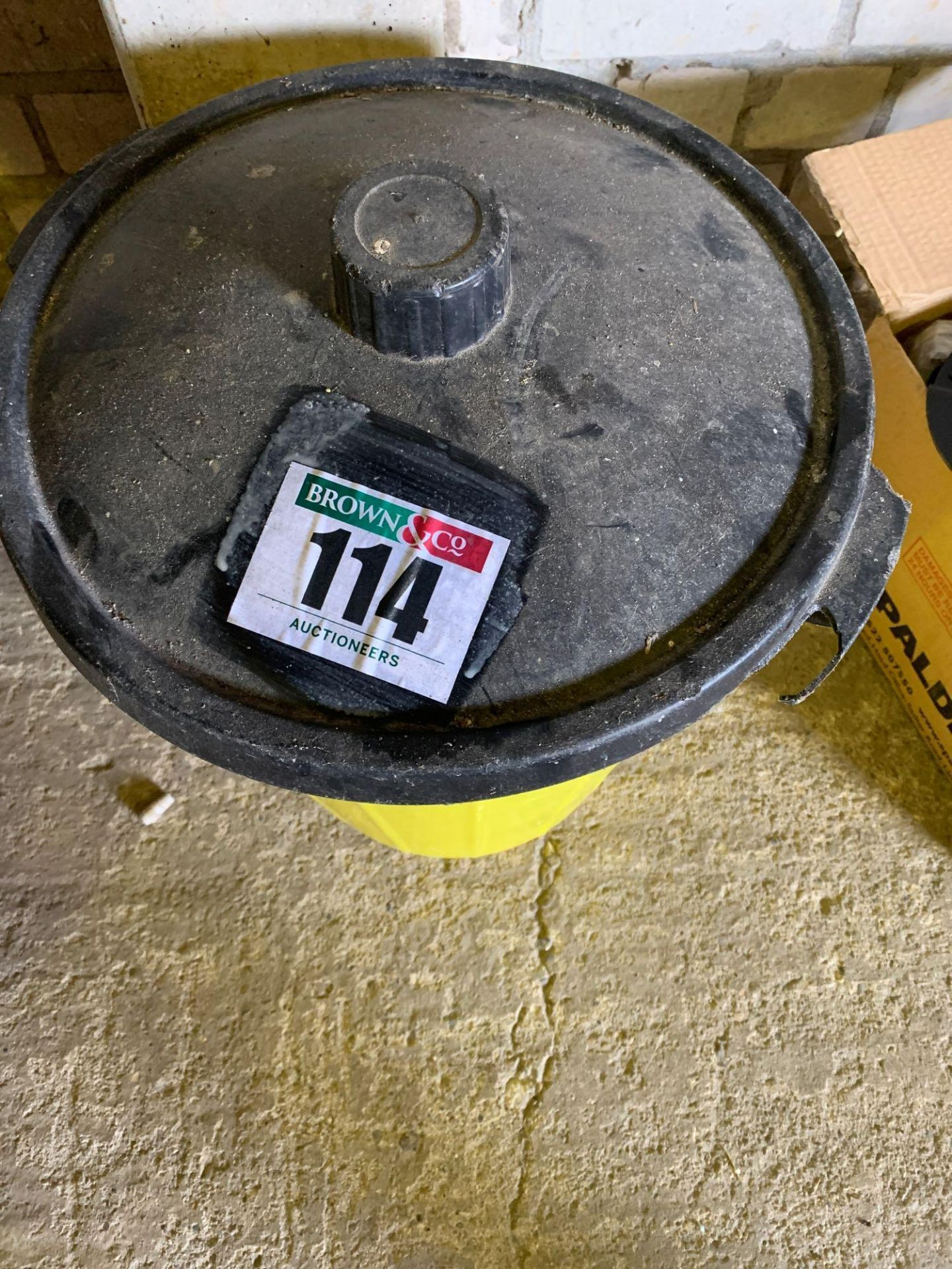 Plastic bin - Image 2 of 4
