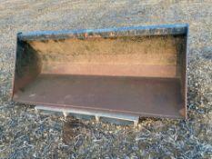 T & J Fletcher gravel bucket c/w JCB Q fit brackets