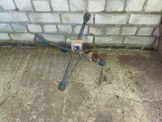 multi wheel brace