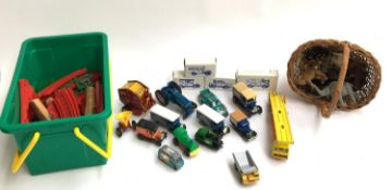 A mixed box of toys, to include models cars Corgi, Matchbox, Lesney, Lledo, Days Gone etc; as well