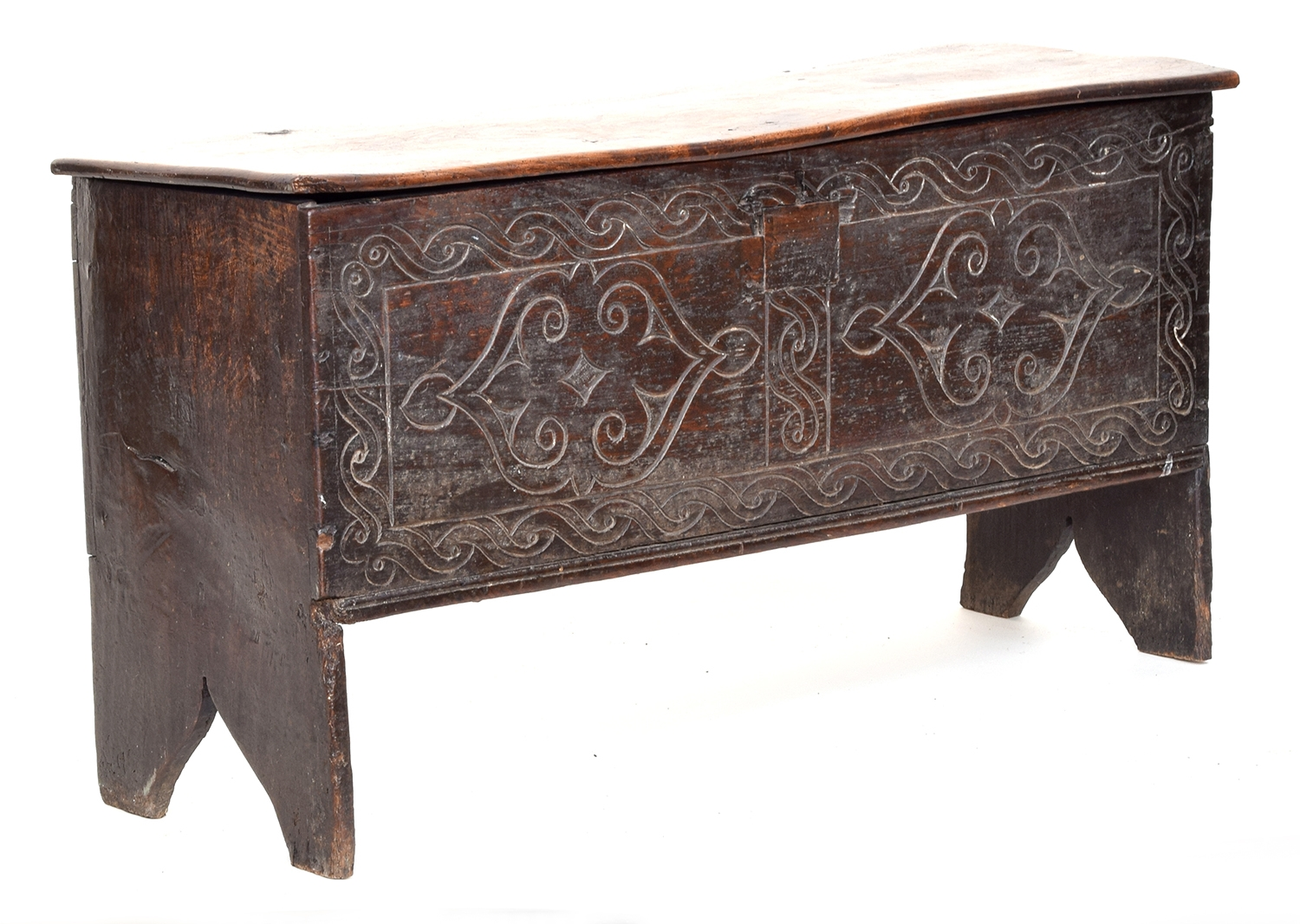 A 17th century vernacular six plank elm and oak coffer, with cut-in feet to the end boards, 103cm - Image 2 of 2