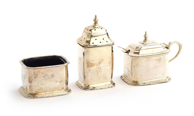 A three piece silver cruet set by William Neale & Son Ltd, Birmingham 1933, 4.1oz