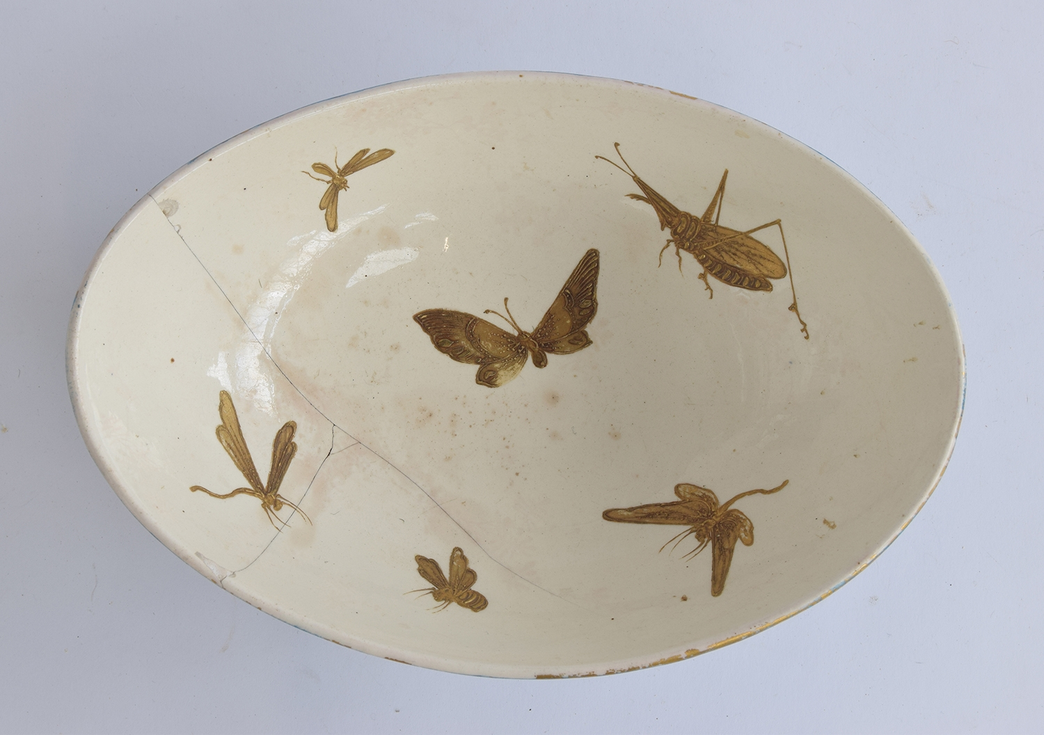A Hautin Boulenger & Cie Choisy-le-Roi bowl, the white interior decorated with hand painted gold - Image 4 of 5