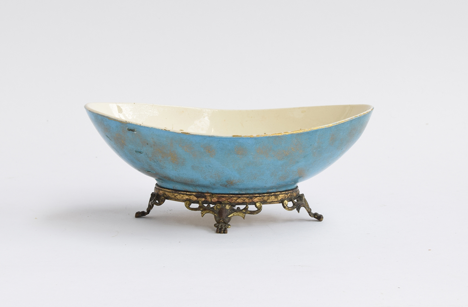 A Hautin Boulenger & Cie Choisy-le-Roi bowl, the white interior decorated with hand painted gold - Image 3 of 5