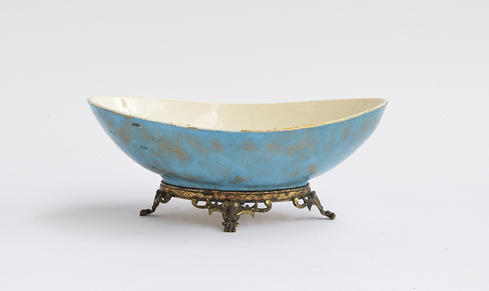 A Hautin Boulenger & Cie Choisy-le-Roi bowl, the white interior decorated with hand painted gold - Image 5 of 5
