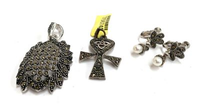 A 925 silver ankh and Celtic knot pendant set with marcasites, approx. 4.5g; together with a pair of