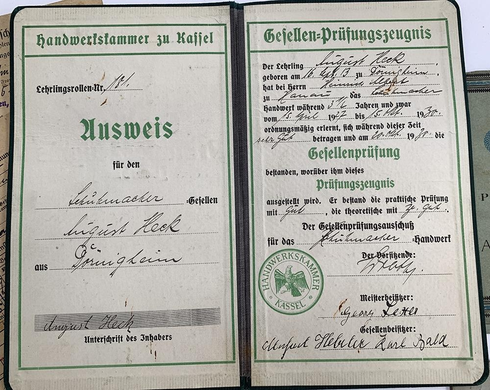 A quantity of German Third Reich and WWII related literature to include a 1939 Deutsches Reich - Image 6 of 10