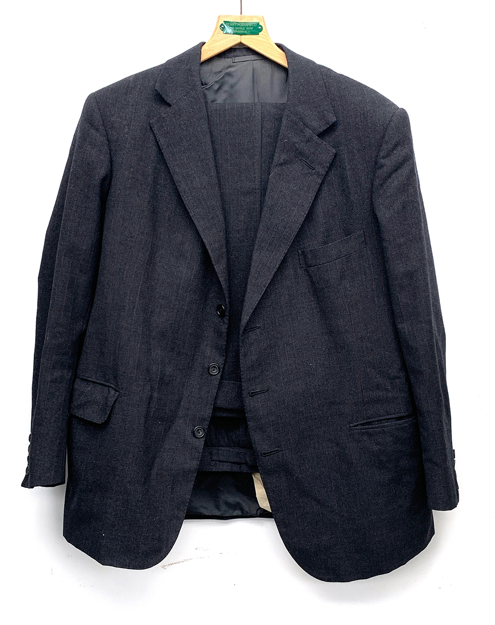 A gent's single breasted wool suit with two pairs of trousers, tailored by Sullivan, Woolley & - Image 3 of 3