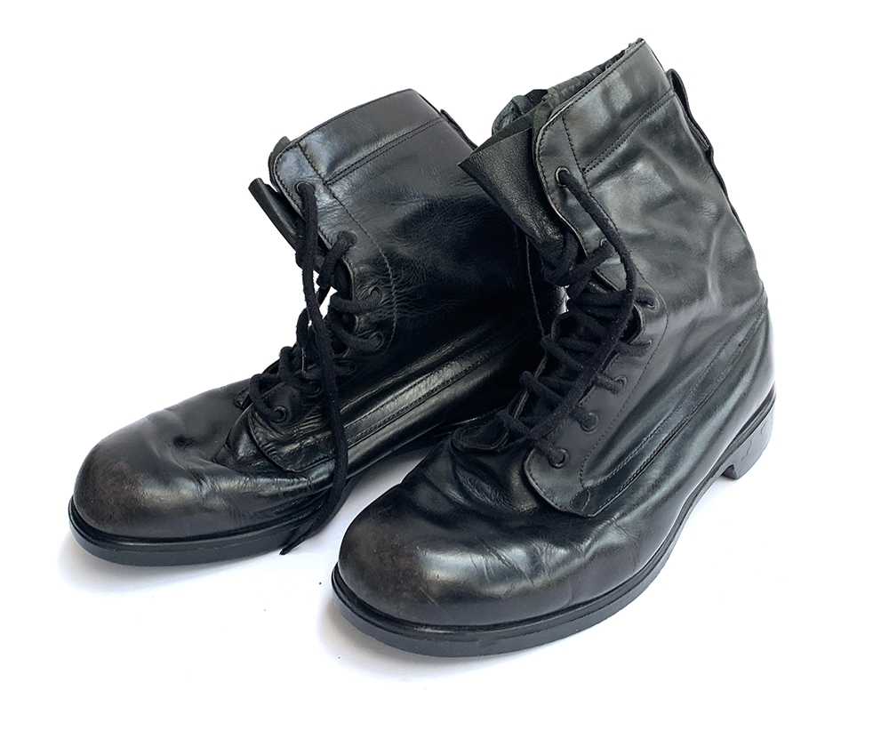 A pair of aircrew flying boots size 9L