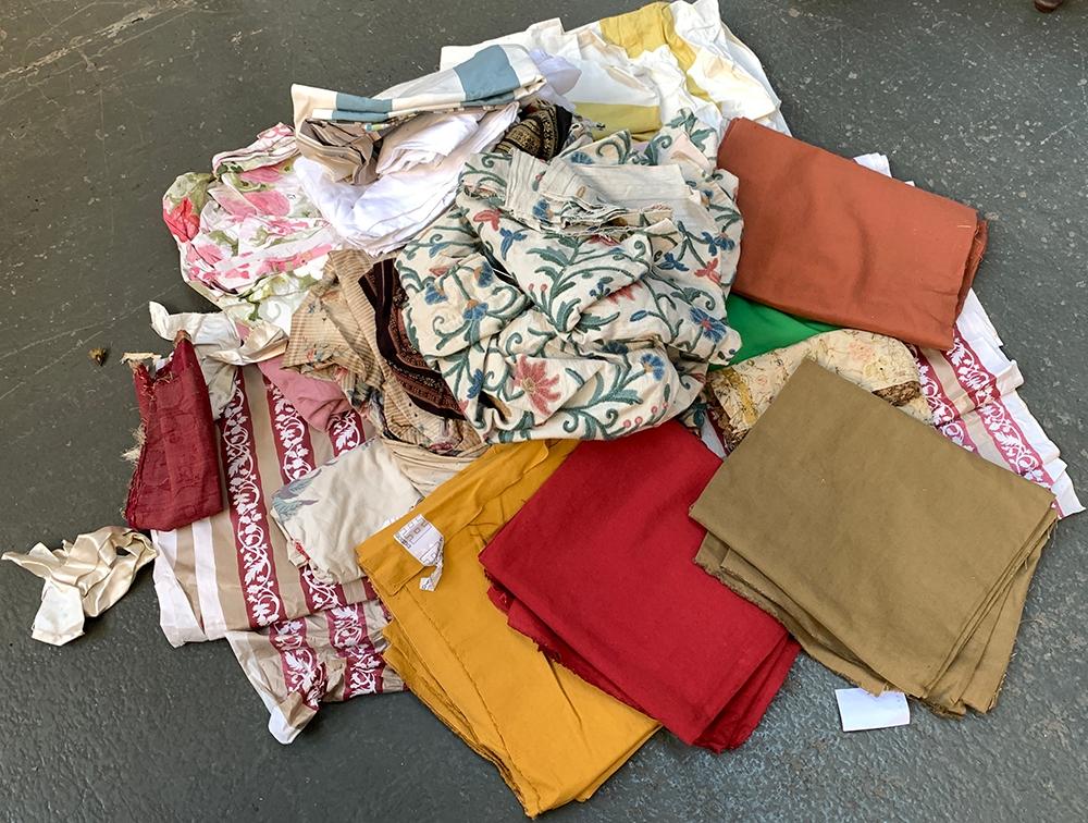 A large quantity of fabrics, to include chintz, Columbus Irish linen, etc