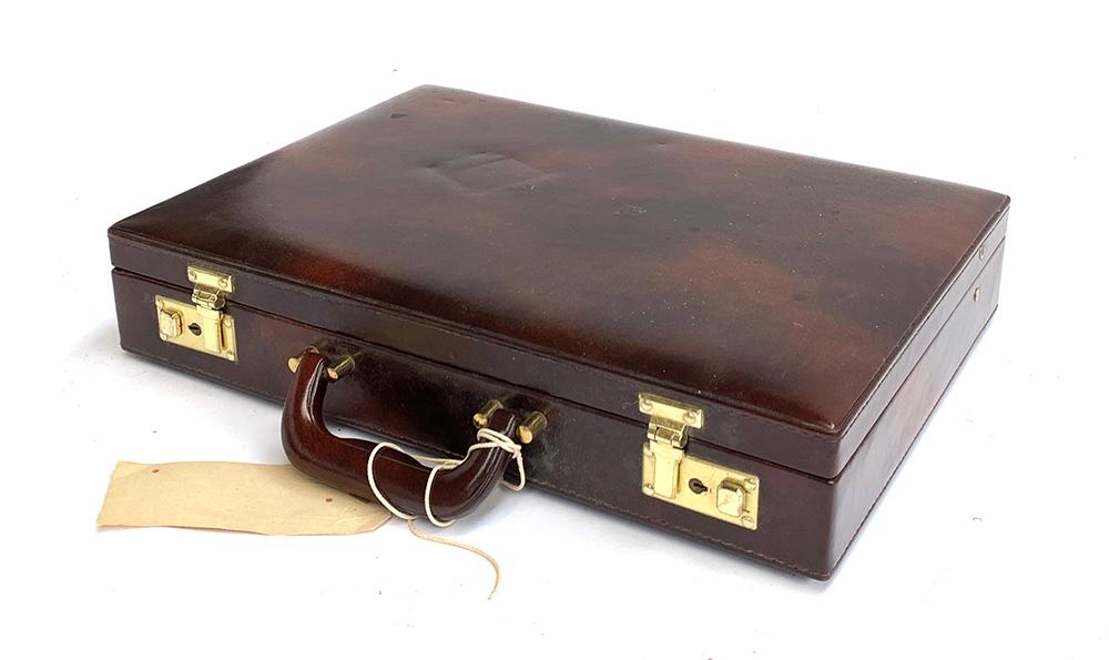 A brown writing case, 43cmx31x8cm