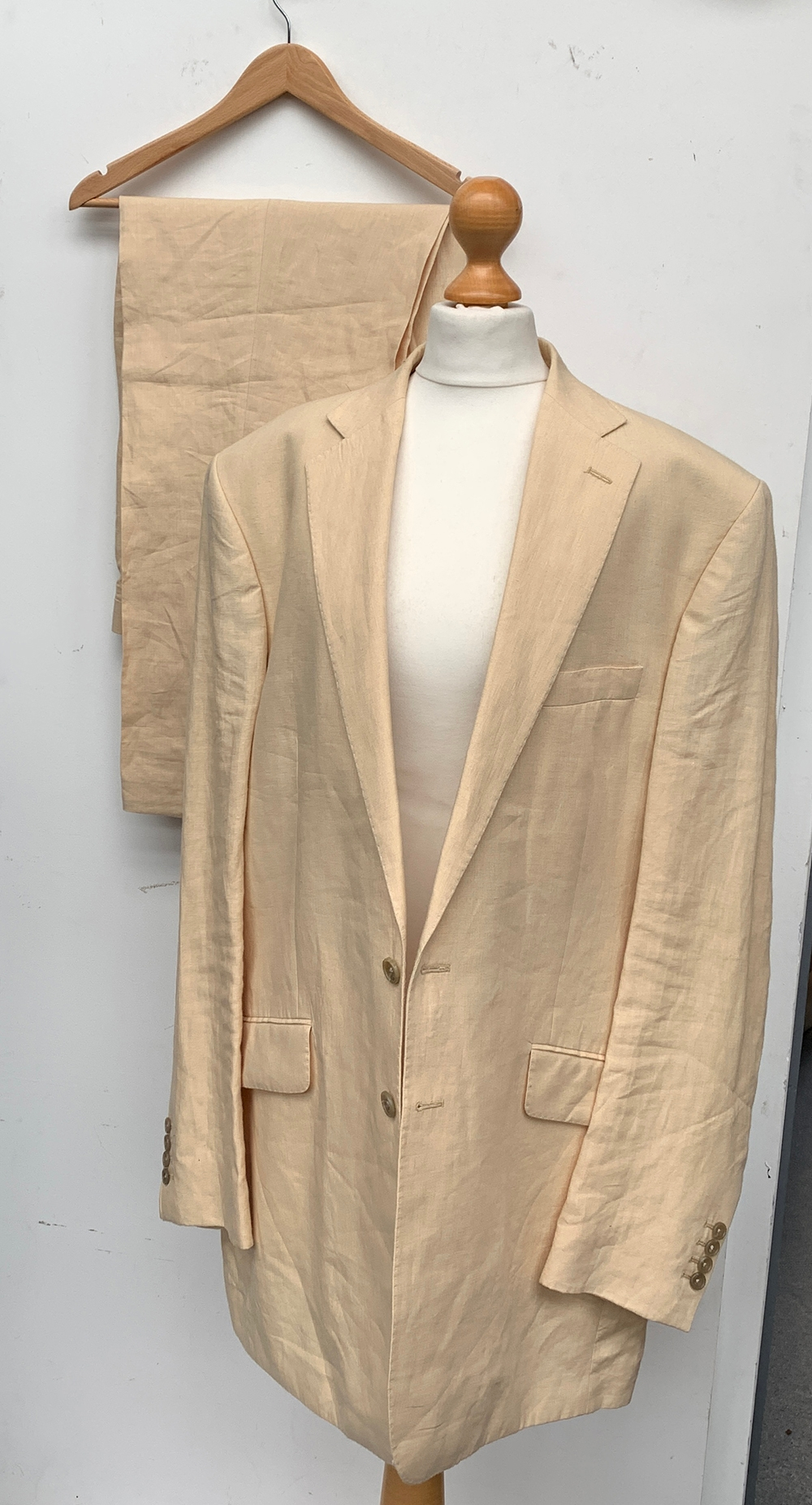 """An Oliver Brown of Chelsea Irish linen two piece suit, with an associated waistcoat, 46"""" chest, - Image 2 of 2"""