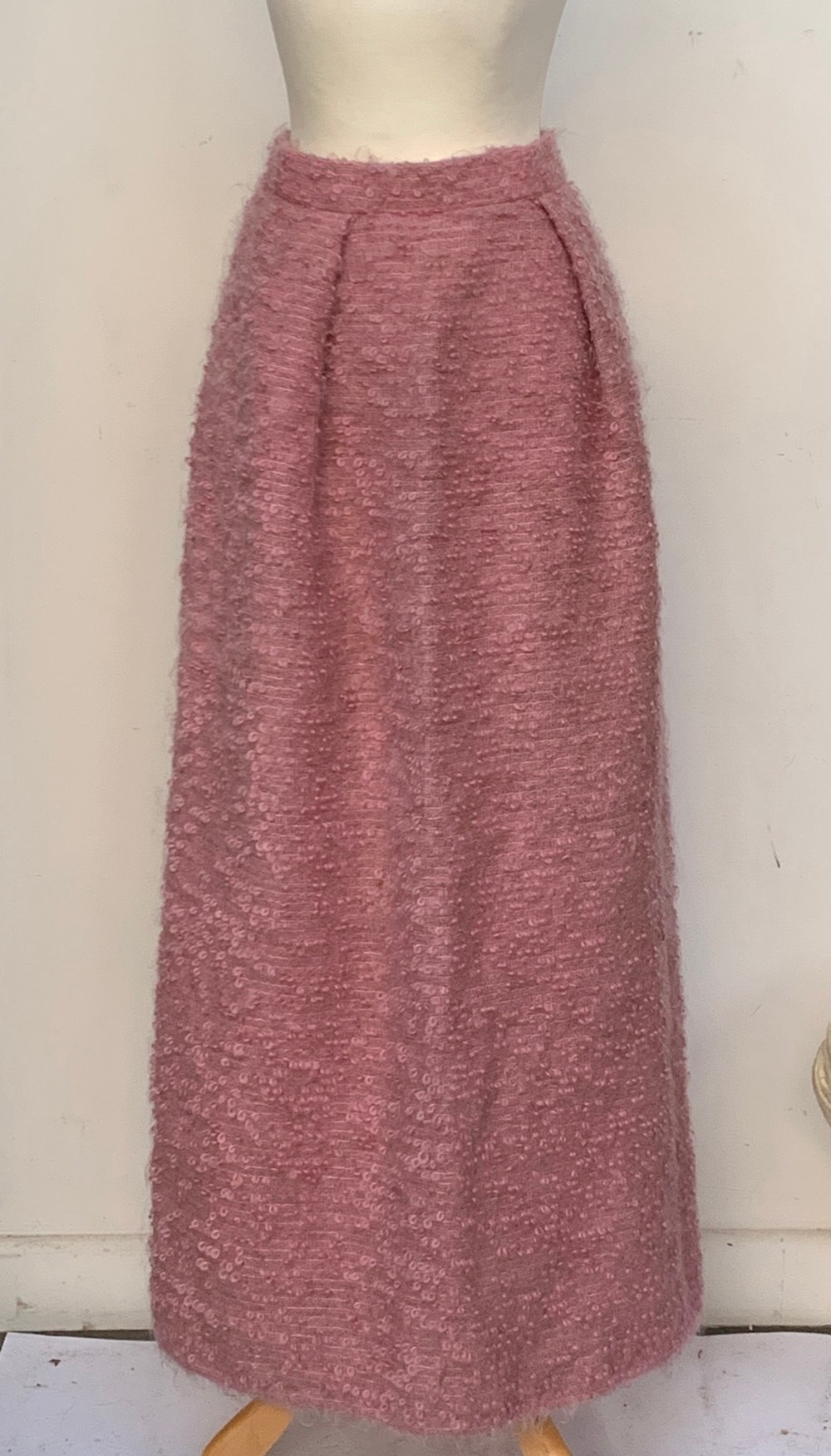 A ladies tailored cotton overcoat, size 10; together with a mohair evening skirt, full length, and a - Image 2 of 3