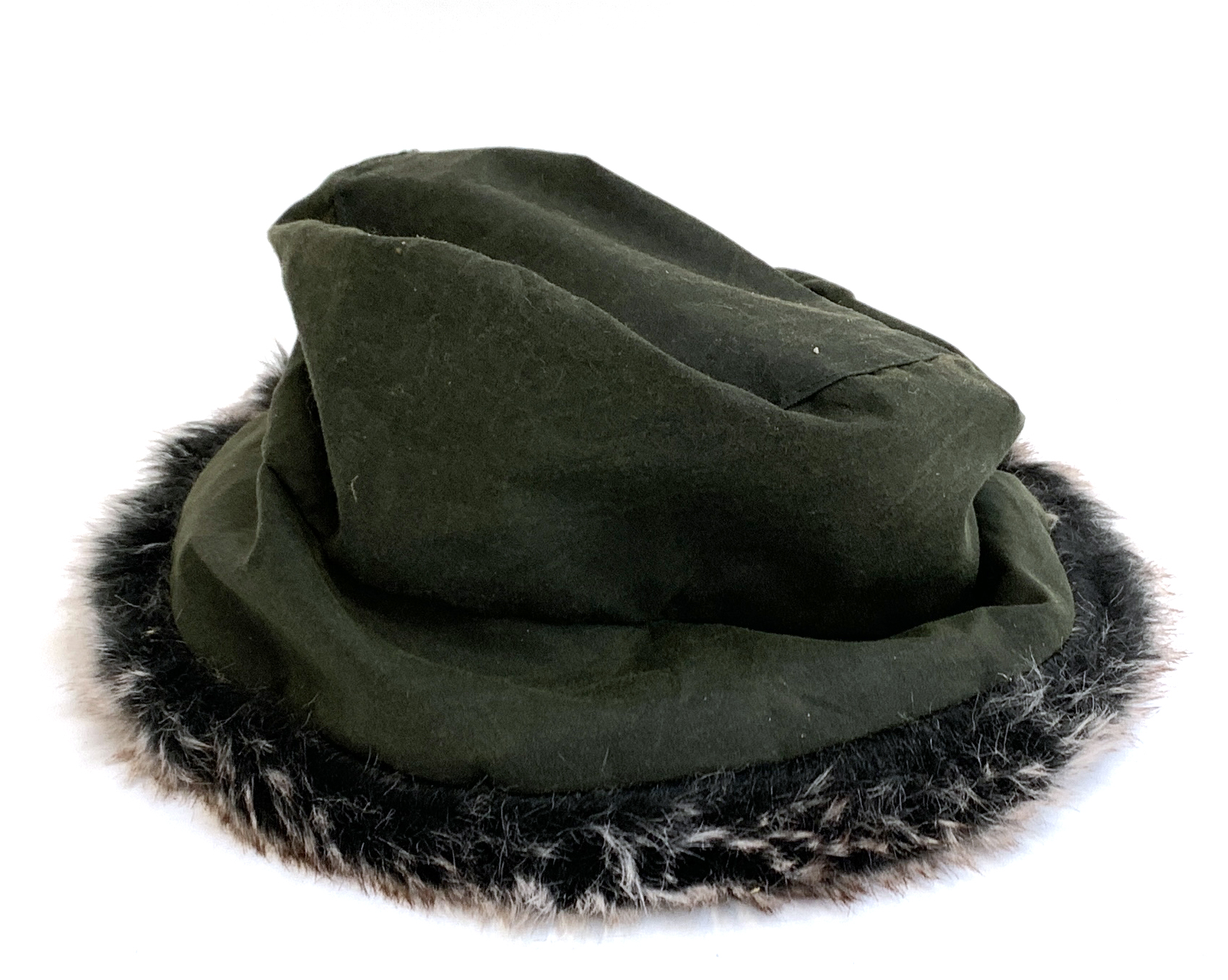 A Scotts of Stowe wax cotton and fur trimmed hat