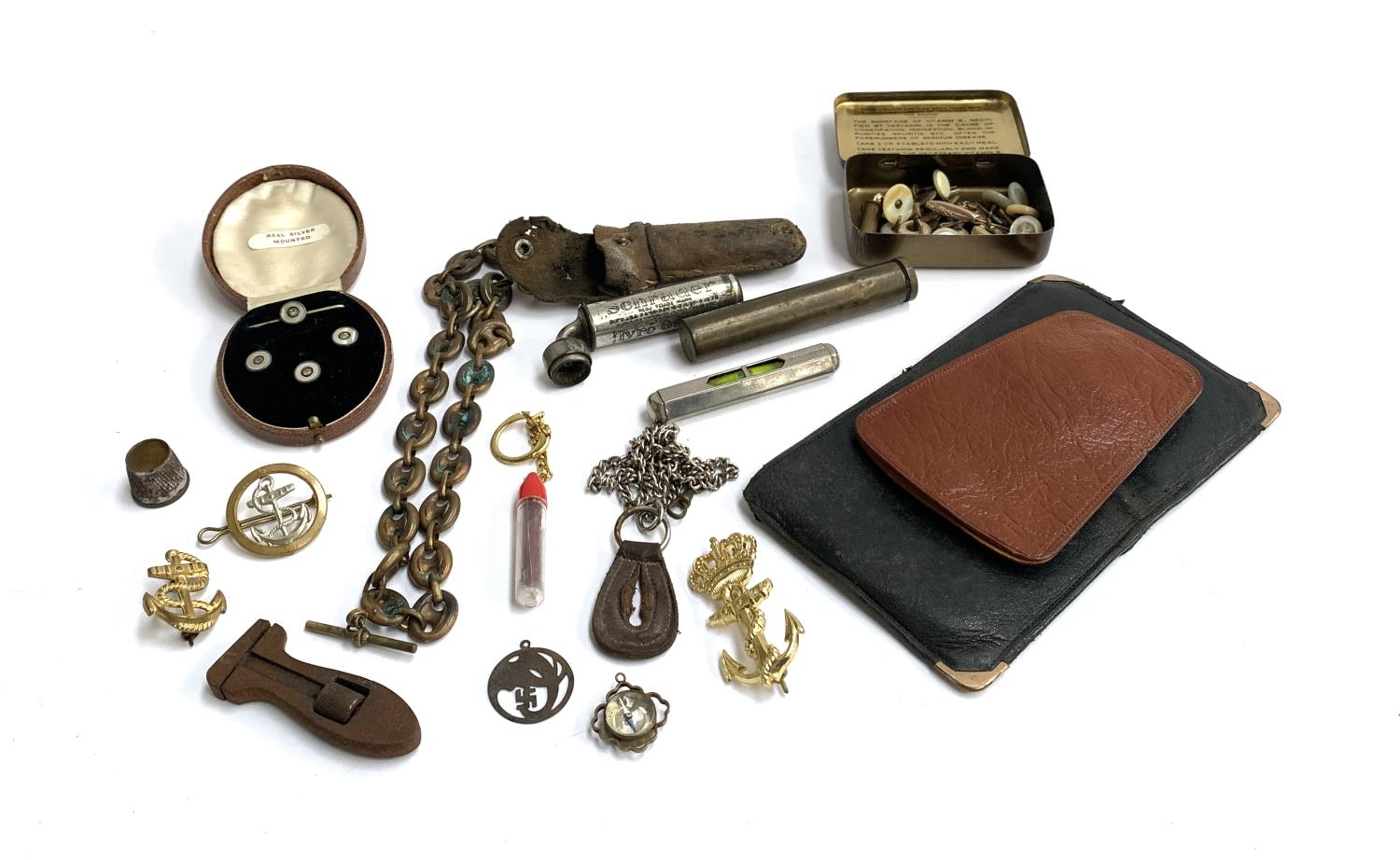 A mixed lot of interesting things to include trench art fob chain; a collection of buttons; brass - Image 3 of 3