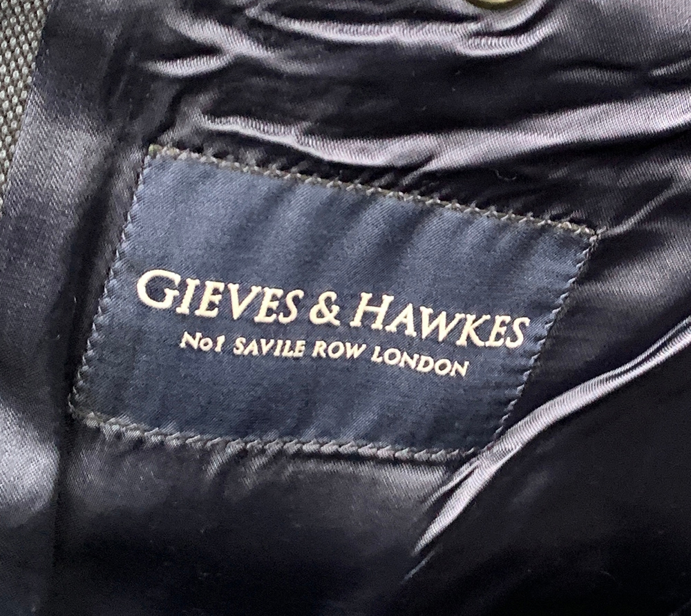 """A Gieves & Hawkes navy birdseye suit with two pairs of trousers, 44"""" chest - Image 2 of 2"""