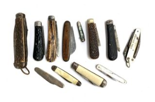 A collection of 12 penknives and clasp knives, to include antler handled, mother of pearl handled