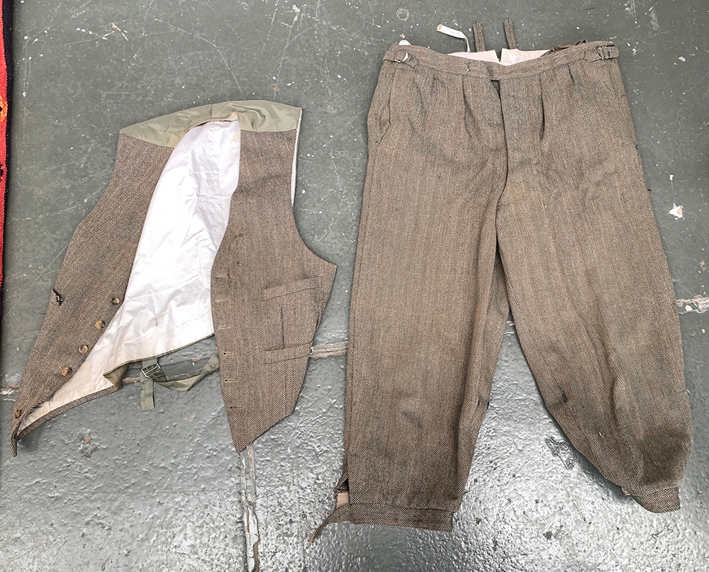 """A pair of shooting breeks and a waistcoat, approx. 38"""" waist (2)"""