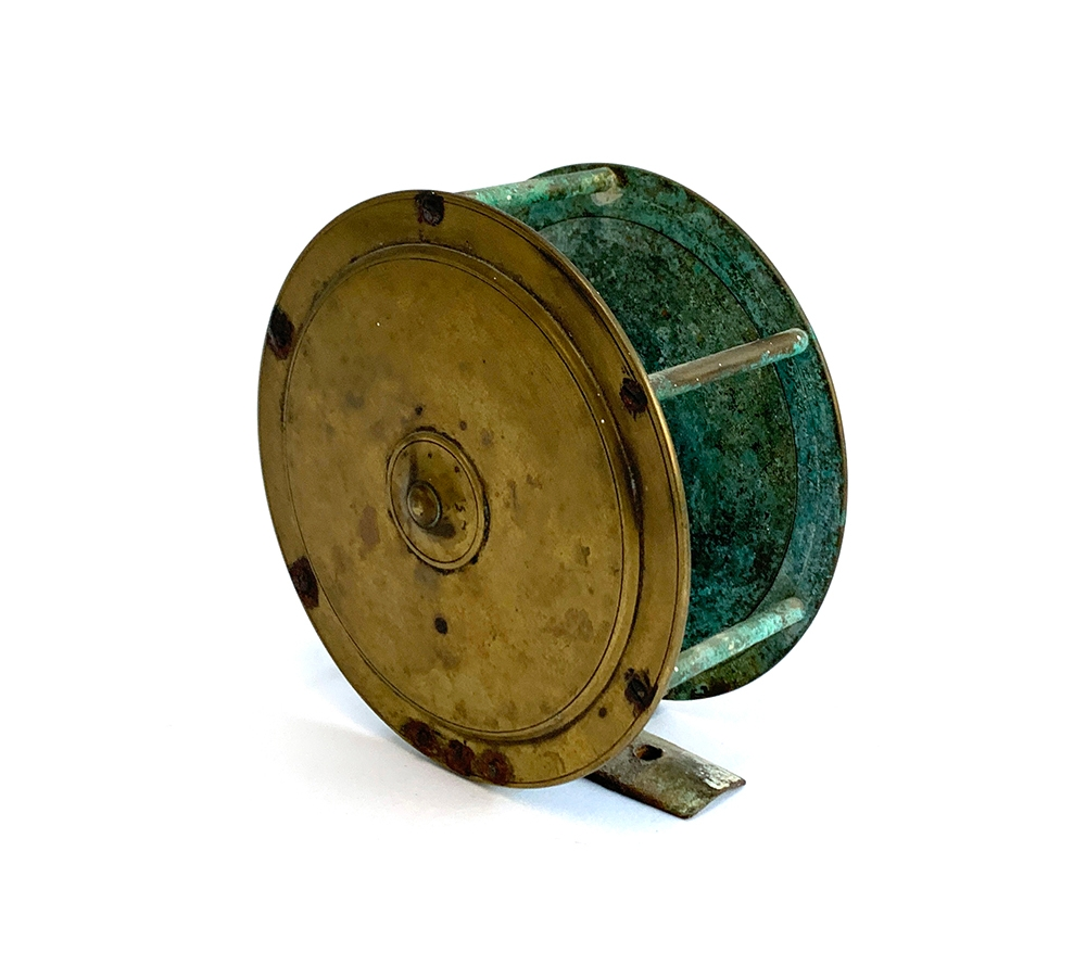 """F.T Williams & Co Makers 10 Gt Queen St London WC brass combination salmon reel: 4.5"""" dia, tapered - Image 2 of 2"""