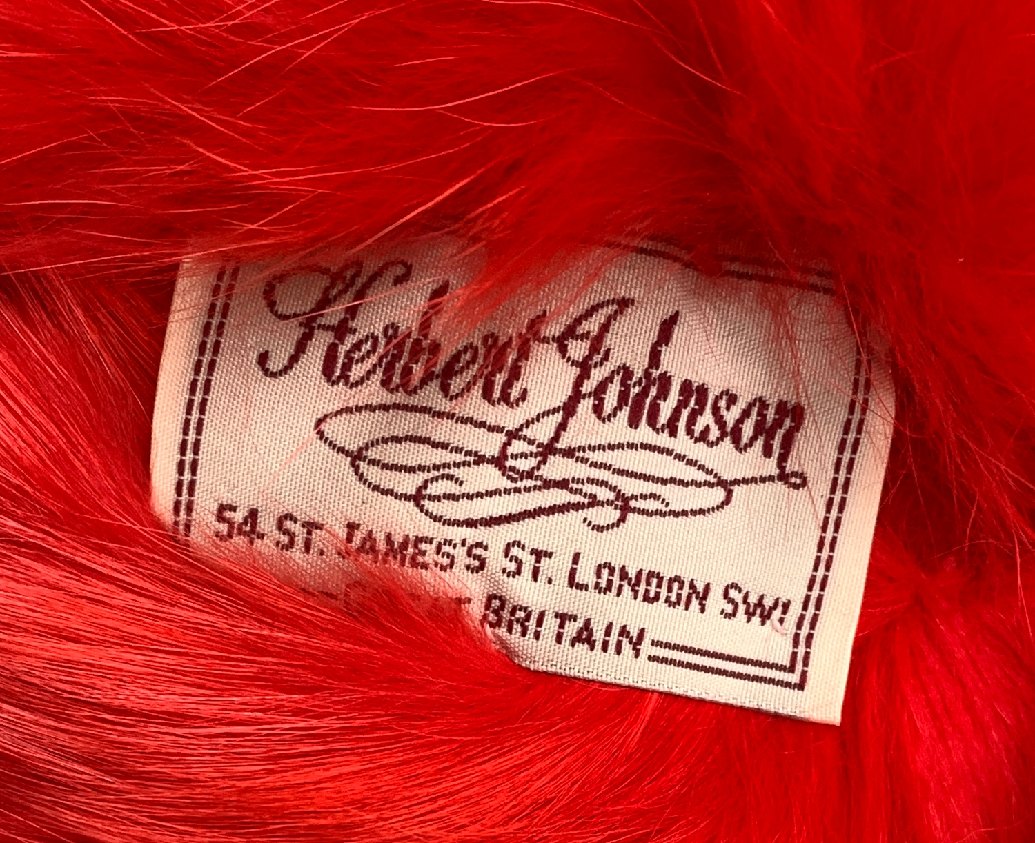 A Herbert Johnson ladies red fur hat, in fitted box - Image 2 of 3