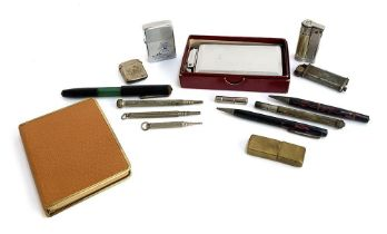 A mixed lot to include boxed Mosda Streamline Lighter/Case; boxed 'pigskin' cigarette case; a