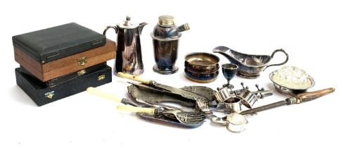A mixed lot of plated items to include cocktail shaker; a pair of wine coasters; coffee pot; gravy