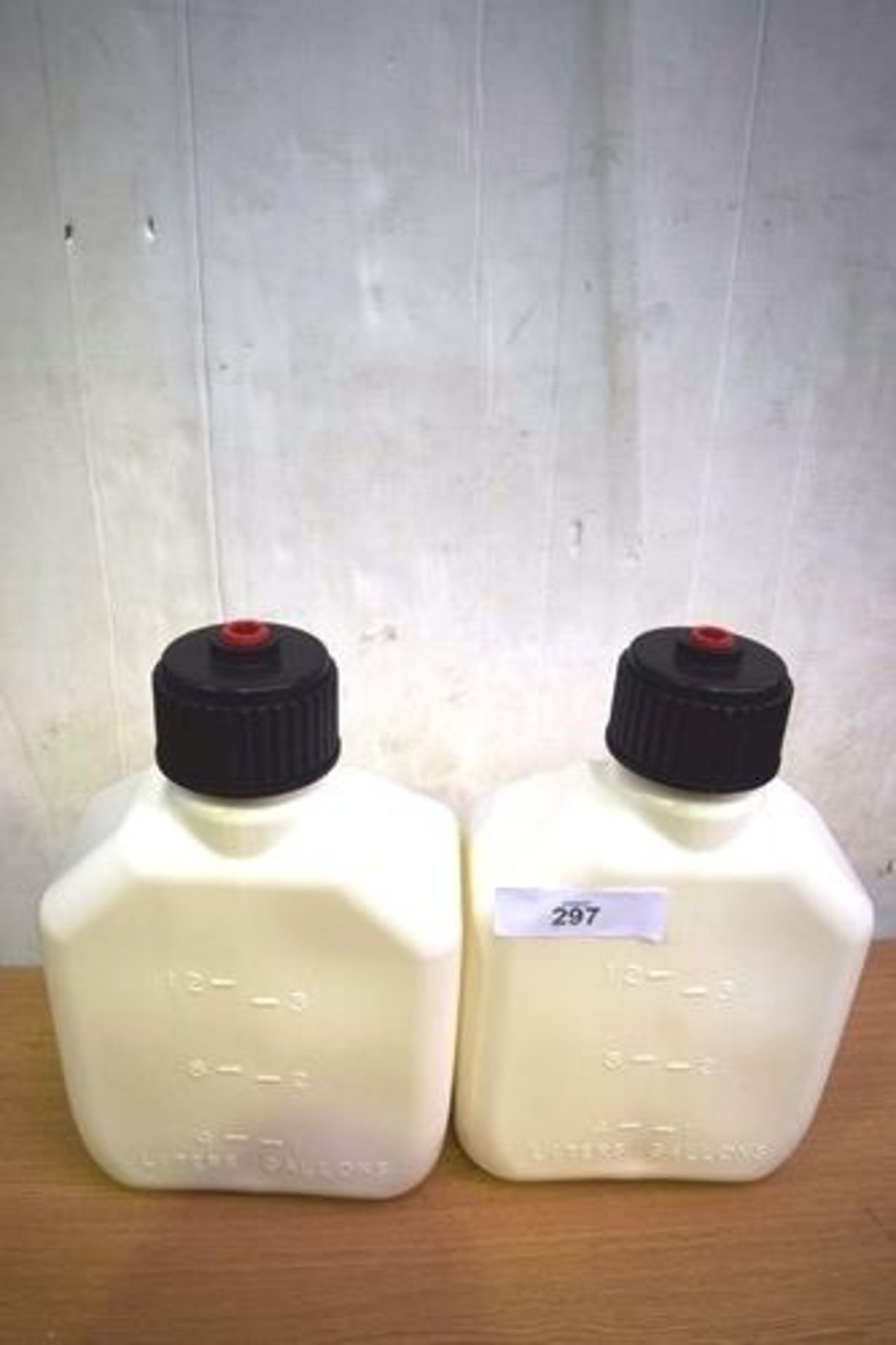 2 x VP Racing 3 gallon square white jugs, P.N. 4172 - New (GS5) - Image 2 of 2