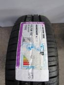 1 x Nexen Roadian CT8 8PR 104/102T, size 195/70R15C - New with label (GS2)