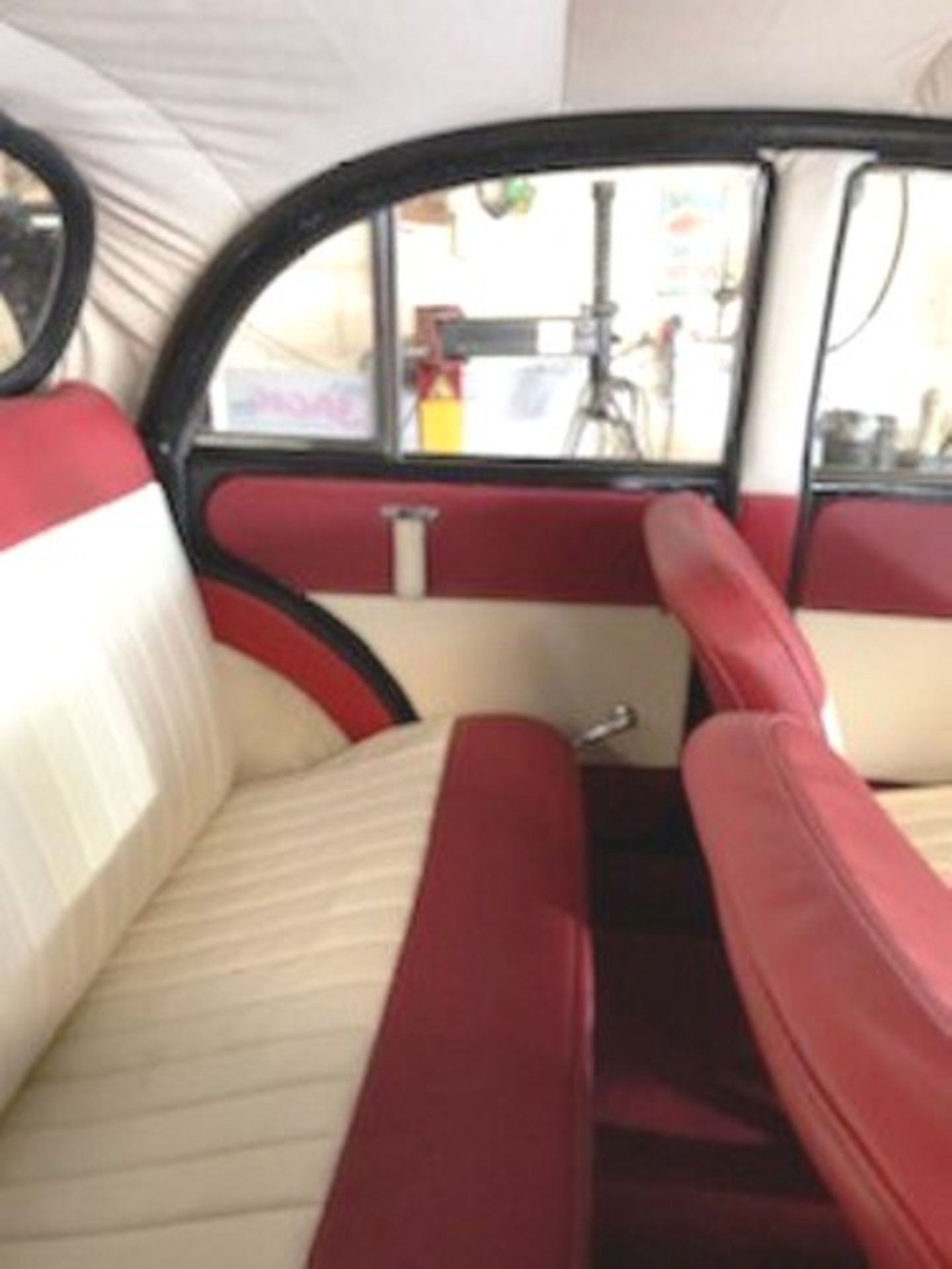 1964 Morris Minor 1000 in original black. The car has been restored with new flooring and vinyl - Image 7 of 16