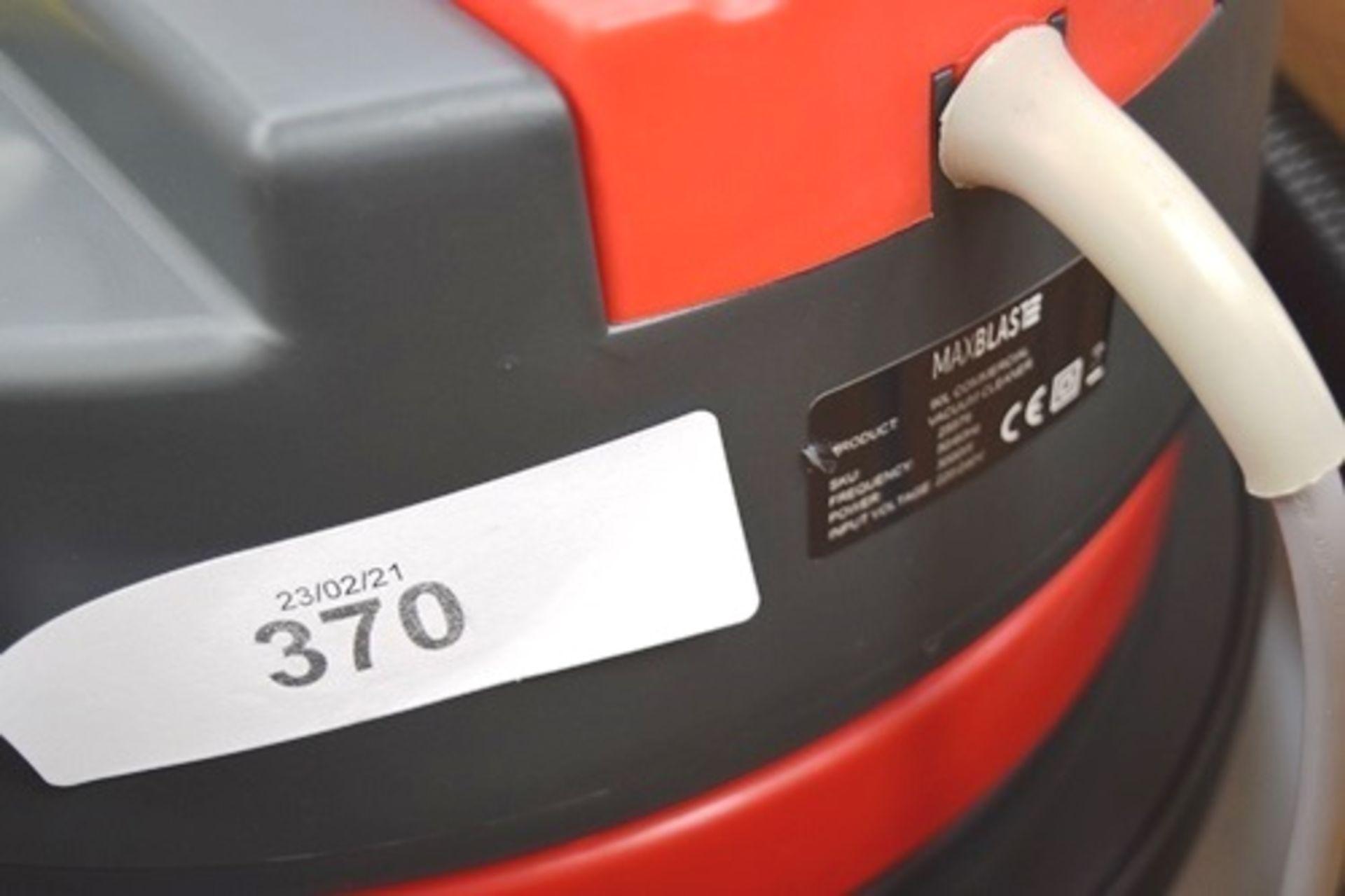 1 x Max Blast wet & dry 90ltr industrial vacuum, SKU: 25579 - New in box, box slightly tatty ( - Image 2 of 4