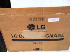 "1 x LG 32"" digital signage display, model 32SM5D - New in box, box open (ES3)"
